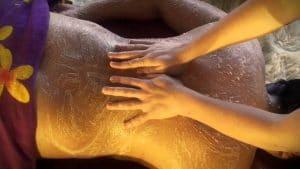Bőrradírozós testmasszázs